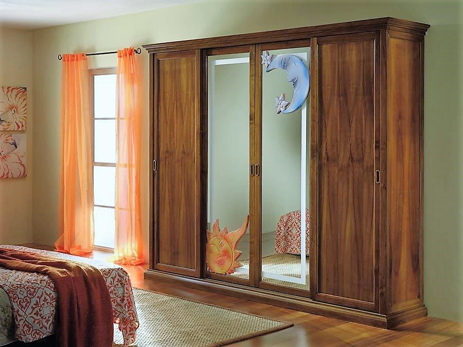Solid wood sliding doors wardrobe with central mirrors