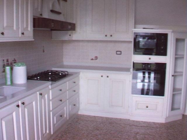 Cucina laccata bianca su misura MAISON CIELO VENEZIA -