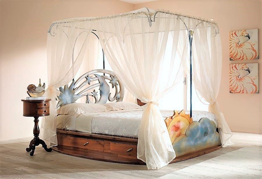 Bed with canopy stella cometa