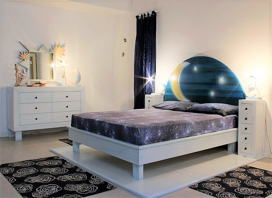 Container bed in lacquered solid wood with bedside table with bedside tables luna